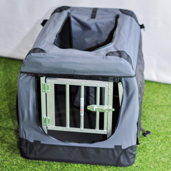 Grid door for dogbox